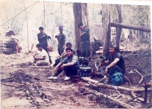 """ย้อนปูมทีม """"อินโดจีน"""" เครือ """"ผู้จัดการ"""" มุดช่องทางธรรมชาติลุยหาข่าวในพม่า-กัมพูชา"""
