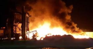 เกิดเหตุเพลิงไหม้อย่างรุนแรงภายโรงงานหลอมเหล็ก จ.ระยองช่วงกลางดึกที่ผ่านมา