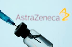 """ข่าวดีของไทยด้วย! พบวัคซีน """"แอสตราเซเนกา"""" ทั้งป้องกันและชะลอการแพร่เชื้อโควิด-19"""