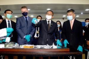 """""""สมศักดิ์"""" พบสารตั้งต้น 3 ชนิดใหม่นำมาผลิตยาเสพติดในเขตสามเหลี่ยมทองคำ"""
