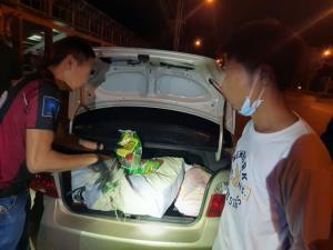 ตร.ซ้อนแผนรวบทั้งไทยและพม่า ขนไอซ์ 100 กิโลฯ ซุกเก๋งส่งเครือข่ายกลางเมืองเชียงราย