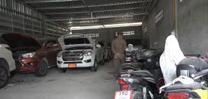 ตร.ชลบุรีบุกค้นโกดังเมืองพนัสฯ-บ้านบึง พบรถยนต์-จยย.กว่า 50 คัน เตรียมขยายผลหาที่มา