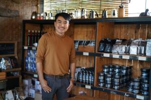 """""""โรงคั่วกาแฟ วังน้ำเขียว"""" คาเฟ่แดนอีสาน ผุดผลิตภัณฑ์เครื่องสำอางจากกาแฟ ปั้นเกษตรวิถีใหม่เติบโตยั่งยืน"""
