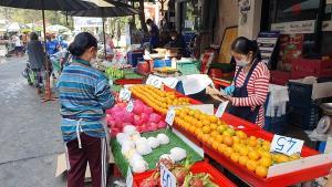 ตรุษจีนปีนี้ตลาดสดมหาชัยสุดเงียบเหงา แม้เป็นวันจ่ายลูกค้าบางตา
