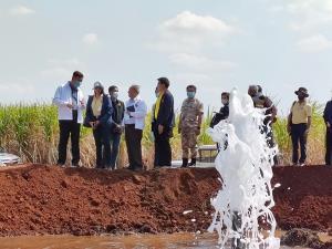 กรมฯ บาดาลสำรวจหาแหล่งน้ำบาดาลช่วยภัยแล้งให้ชาวห้วยกระเจา