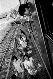 """ย้อนมอง 40 ปี """"การเดินทางช่วงเทศกาลตรุษจีน""""  ตอนที่ 1"""