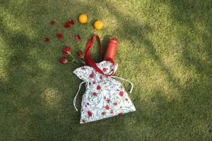 มูลนิธิรามาธิบดีฯ x Aristotle ส่งคอล 'ดอกกุหลาบไร้หนาม'ในวันแห่งความรัก