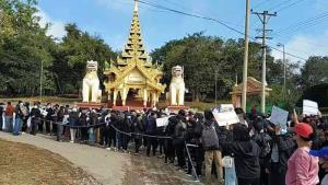 """รัฐชานตึงเครียด! บุกจับบุคคลสำคัญ """"ทหารพม่า-RCSS"""" เปิดศึกที่สีป้อ"""