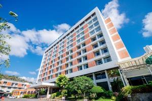 โรงแรมภูเก็ตเมอร์ลิน ตัังอยู่ใจกลางเมืองภูเก็ต