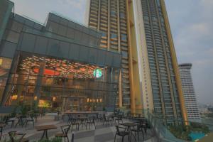 """เปิดแล้ว """"สตาร์บัคส์ รีเสิร์ฟ เจ้าพระยา ริเวอร์ฟร้อนท์"""" สาขาใหม่ใหญ่ที่สุดในไทย"""