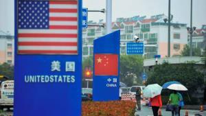 "In Clip: สุดฮือฮา! ผลสำรวจชี้ เอเชียตะวันออกเฉียงใต้จะเลือกเข้าข้าง ""สหรัฐฯ"" มากกว่า ""จีน"" หากเกิดสงคราม"