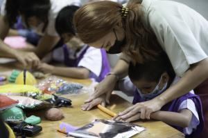 """ยูโอบี ประเทศไทย จัดทำโครงการหนังสือนิทานเสียง """"UOB Voice of Love"""""""
