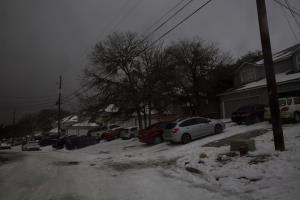 """""""ไบเดน"""" ประกาศภัยพิบัติใหญ่ในเทกซัส หนาวสุดขั้วตายแล้วอย่างต่ำ 40 คนทั่วสหรัฐฯ"""