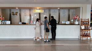 ธุรกิจโรงแรมประจวบฯ ทรุด หลายแห่งต้องปิดตัว บางแห่งอยู่ได้เพราะการประชุมหน่วยงาน