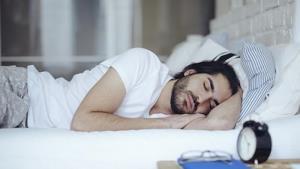 """งานในฝันเพื่อ """"จอมยุทธ์ยอดนักนอน"""" หลับหรูอยู่เลิศ รร.5 ดาว รับค่าจ้าง 2,000 ดอลล์"""