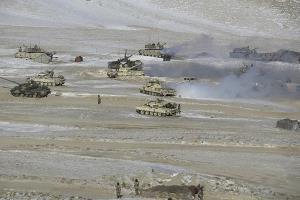 'จีน-อินเดีย' ถอนทหารพ้นเขตทะเลสาบพื้นที่พิพาทบนเทือกเขาหิมาลัย
