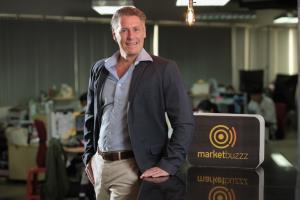 มร.แกรนท์ เบอร์โทลี่ ประธานเจ้าหน้าที่บริหาร บริษัท มาร์เก็ตบัซซ จำกัด
