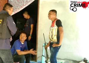 บุกจับเจ้าของร้านซ่อม จยย.ท่าศาลา ชวนโจ๋มั่วสุม-โชว์ปืนขู่ชาวบ้าน