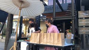 ร้านกาแฟดังดีกรีแชมป์โลกย่านนิมมานฯ ปรับตัวตั้งขายหมูปิ้ง-น้ำพริกหารายได้เลี้ยง พนง.สู้วิกฤตโควิด-19