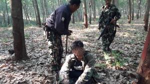 จับภาพ 2 นายพรานเข้าป่า วางกำลังซุ่มจับเผ่นแน่บแต่ไม่รอด
