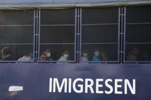 มาเลเซียส่งชาวพม่ากลับประเทศกว่า 1,000 คน ไม่สนคำสั่งศาลให้ระงับชั่วคราว