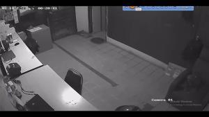 ตำรวจกรุงเก่ารวบพนักงานสุดแสบ ย่องเข้าบริษัทยกตู้เซฟสูญเงินนับแสน