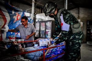 """""""ค่ายสีหราชเดโชชัย"""" สนองนโยบายกองทัพบก จัดหน่วยแพทย์ช่วยเหลือประชาชน"""