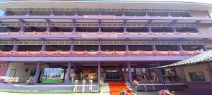 อบจ.ชลบุรีมอบอาคารเรียนพร้อมห้องปฏิบัติการคอมพิวเตอร์ ร.ร.บ้านเขาดิน