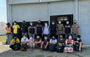 รวบ 8 แรงงานพม่าซุกตู้คอนเทนเนอร์ห้องเย็นโป่งน้ำร้อน จันทบุรี