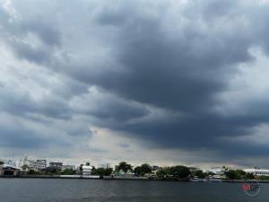 อีสานตอนล่าง-ตะวันออก-กลาง เตือนระวังพายุฤดูร้อนถล่ม ลูกเห็บตก กทม.-ปริมณฑล มีฝนร้อยละ 20