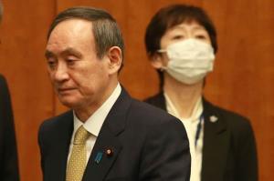 """นายกฯ ญี่ปุ่นถูกกดดันหนัก หลังลูกชายเลี้ยงข้าวข้าราชการ ส่อ """"ผลประโยชน์ทับซ้อน"""""""