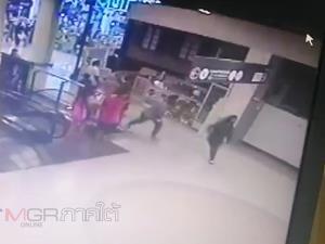สาววัย 21 ปีก่อเหตุชิงทรัพย์สร้อยคอทองคำหนัก 3 บาท ภายในร้านทองห้างเทสโก้โลตัส