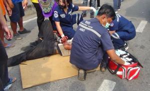 นักเรียนนักเลงเมืองแปดริ้วปาระเบิดใส่นักเรียนต่างสถาบันทำสาหัส 1 ราย
