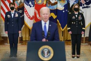 """ถึงยุคสตรี! """"ไบเดน"""" เสนอชื่อผู้หญิง 2 รายนั่งแท่น ผบ.กองบัญชาการทหารสหรัฐฯ"""