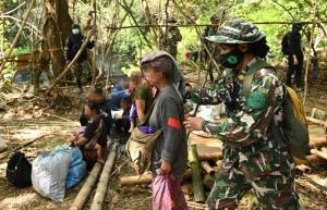 """""""วราวุธ"""" ย้ำยุทธการทวงคืนผืนป่าแก่งกระจาน จากกะเหรี่ยงบางกลอยไม่ได้ใช้ความรุนแรง"""