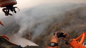 ระดม จนท.เร่งดับทั้งทางอากาศและภาคพื้น ไฟไหม้ป่าหางดงสกัดลามขึ้นดอยสุเทพ