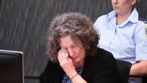 เมื่อวิทยาศาสตร์ชี้ว่าคดีแม่ออสซี่ที่ศาลชี้ว่าฆ่าลูกสี่คน ตายเพราะยีนกลายพันธุ์ ระบบยุติธรรมจึงถูกท้าทาย จะไม่สงสารคนติดคุกฟรี 18 ปีหรือ