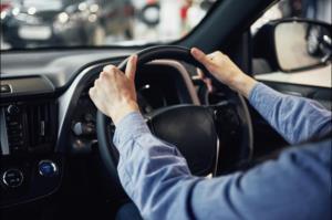 เมื่อขับรถเป็นต้องแลกกับชีวิตที่หล่นหาย!/ดร.สรวงมณฑ์ สิทธิสมาน