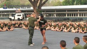 """ติวเดือด! """"บัวขาว"""" VS """"หมอภาคย์"""" ต่อหน้านักเรียนทหารรบพิเศษ"""