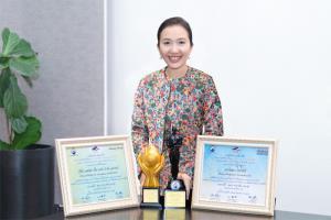 """""""วัลลภา ไตรโสรัส"""" CEO AWC รับ 2 รางวัล """"บุคคลตัวอย่างแห่งปี"""" และ """"ความดีตอบแทนคุณแผ่นดิน"""" สาขาบริหารและพัฒนาธุรกิจอสังหาริมทรัพย์ จากมูลนิธิเพื่อสังคมไทย"""