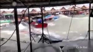 พายุฤดูร้อนกระหน่ำพัทยาน้อย-นักเที่ยวหนีตายจ้าละหวั่น  โจ๋ดวงกุด! ลงเล่นน้ำเป็นตะคริวดับอนาถ