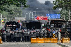 สหรัฐฯ คว่ำบาตร ผบ.ตร.พม่า-กองทหารสุดโหด เกี่ยวข้องปราบนองเลือดผู้ประท้วงต้านรัฐประหาร