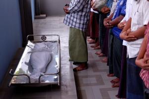 พม่ายอมปล่อยตัวผู้ประท้วงกว่า 600 คน หลังปราบโหดยิง ด.ญ.7 ขวบตายคาตักพ่อ