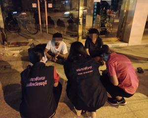 พม.ชลบุรี สนธิกำลังร่วม จนท.หลายหน่วยกวาดล้างบุคคลเร่ร่อน-ขอทานในเมืองพัทยา