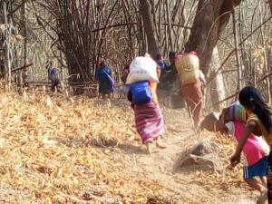 KNU ปะทะเดือดทหารพม่า 2 วันติด ทำชาวเมียนมาหนีตายเข้าไทยแล้วเกือบ 2,000 คน