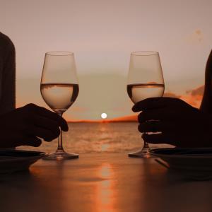 """คนรักชีสห้ามพลาดมา """"เซย์ ชีส"""" กับอาหารค่ำ 8 คอร์สจากเมนูชีส พร้อมไวน์แพริ่ง ณ โรงแรมเซ็นทาราแกรนด์ หัวหิน"""