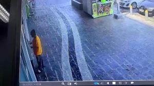 ลุงขับวินทำบัตร ATM หล่นหาย คนเก็บได้เอาไปกดสูญ 15,000 บาท