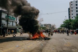 ผวาสงครามกลางเมือง! วอนคณะมนตรีความมั่นคง UN ลงมือหยุดความรุนแรงในพม่า