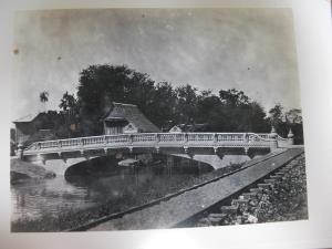 สะพานเฉลิมเดช ๕๗ ข้ามคลองหัวลำโพงที่ปลายถนนสี่พระยา
