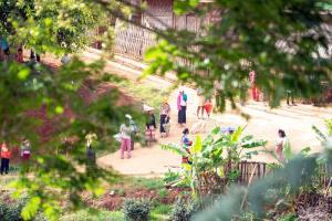 บรรยากาศในค่ายพักพิงแห่งหนึ่ง (ภาพจากเพจ Shan State Refugee Committee)